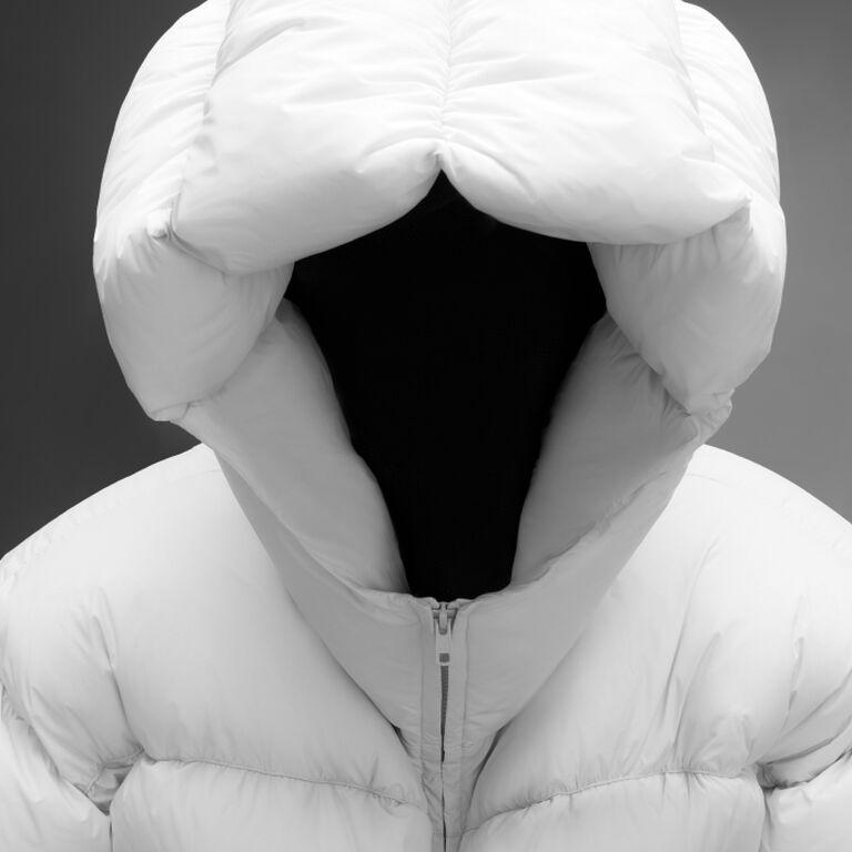 DINGYUN ZHANG - черно-белое изображение пуховика Moncler