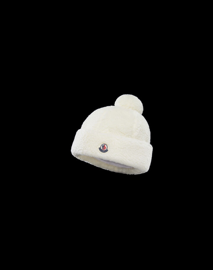 Moncler Faux fur beanie with pompom Silk White