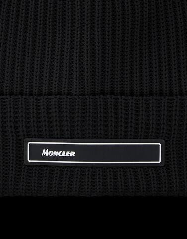 Moncler 실리콘 패치 비니 블랙