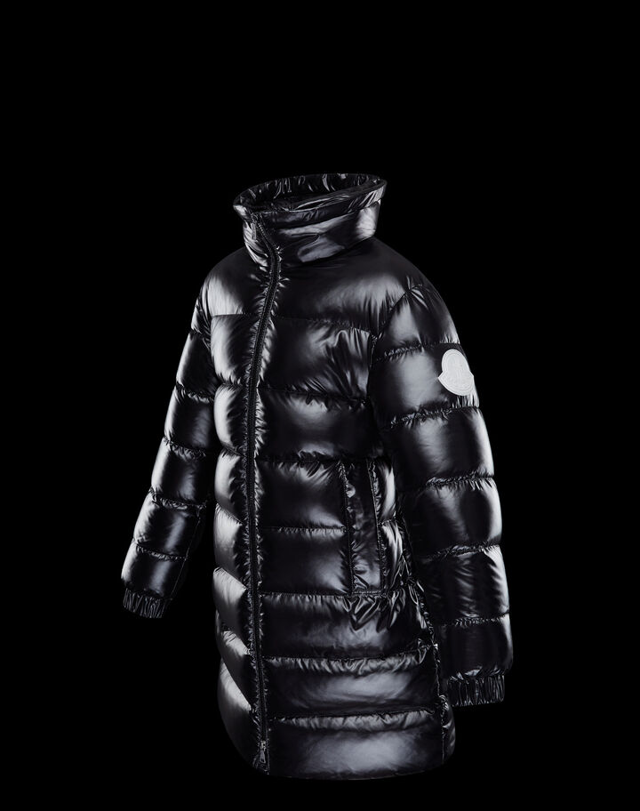 Moncler Berry Black